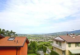Villa Bifamigliare In vendita